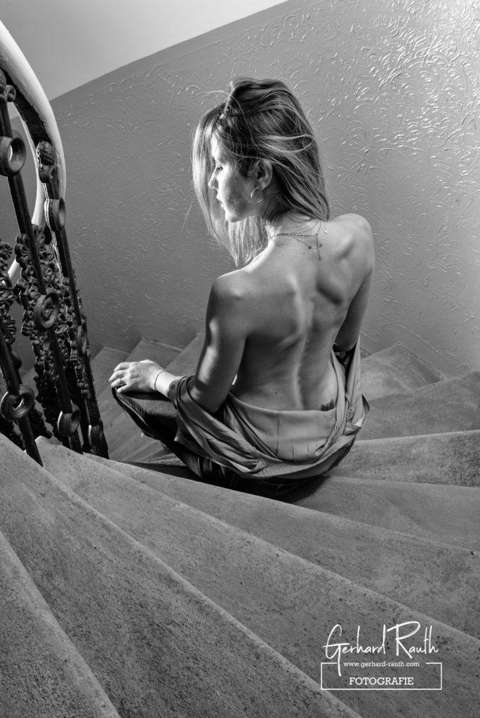 Pavlína auf der Treppe